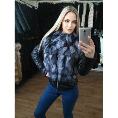 Стильная куртка с мехом чернобурки